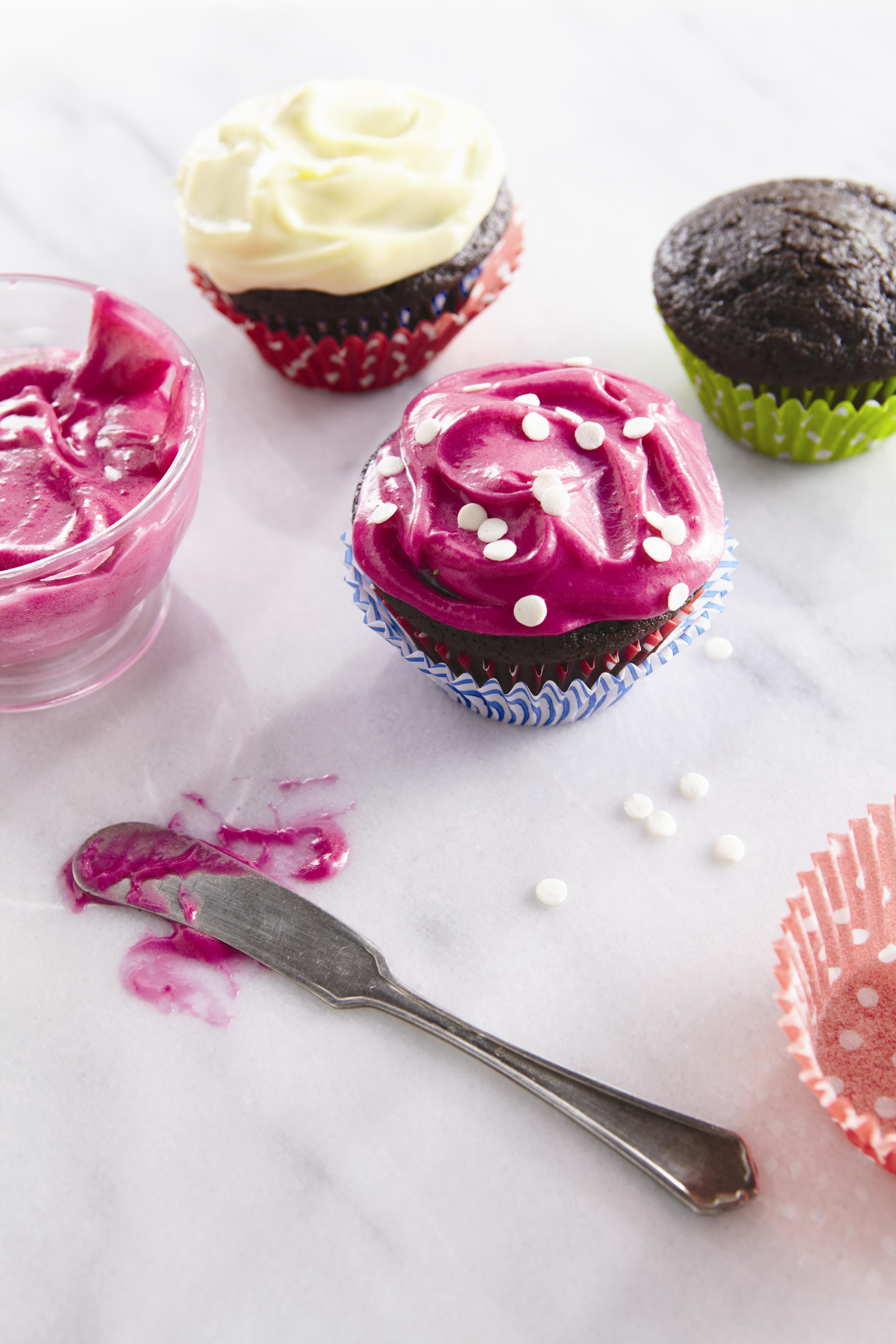 The mini gourmet: chocolate velvet beet cupcakes | Crayons and ...