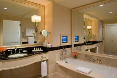 peninsulabathroom